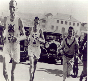 Masterson-Smith wears number 45 in the 1931 Comrades Marathon