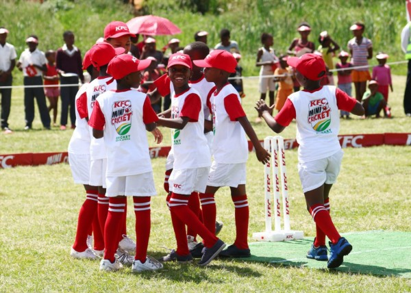 KFC Mini-Cricket-kids celebrate